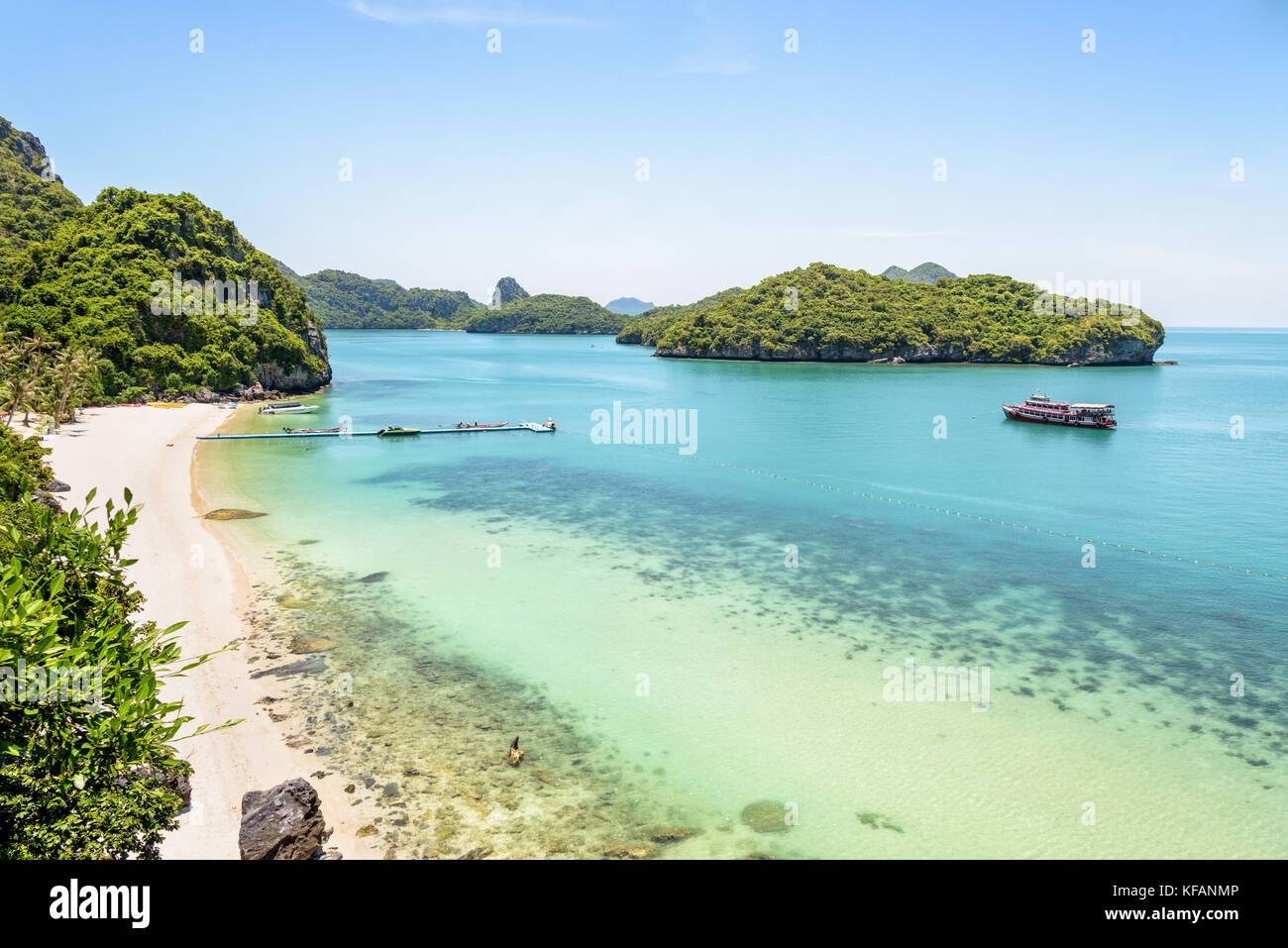 High angle view beautiful natural landscape of the beach, floating pier, islands and sea in summer from Ko Wua Talap - Stock Image