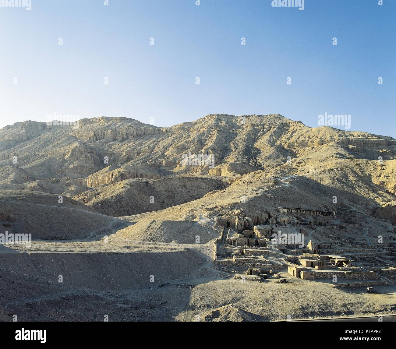 Egypt, Ancient Thebes (UNESCO World Heritage List, 1979). New Kingdom village of state labourers at Dayr al-Madinah - Stock Image