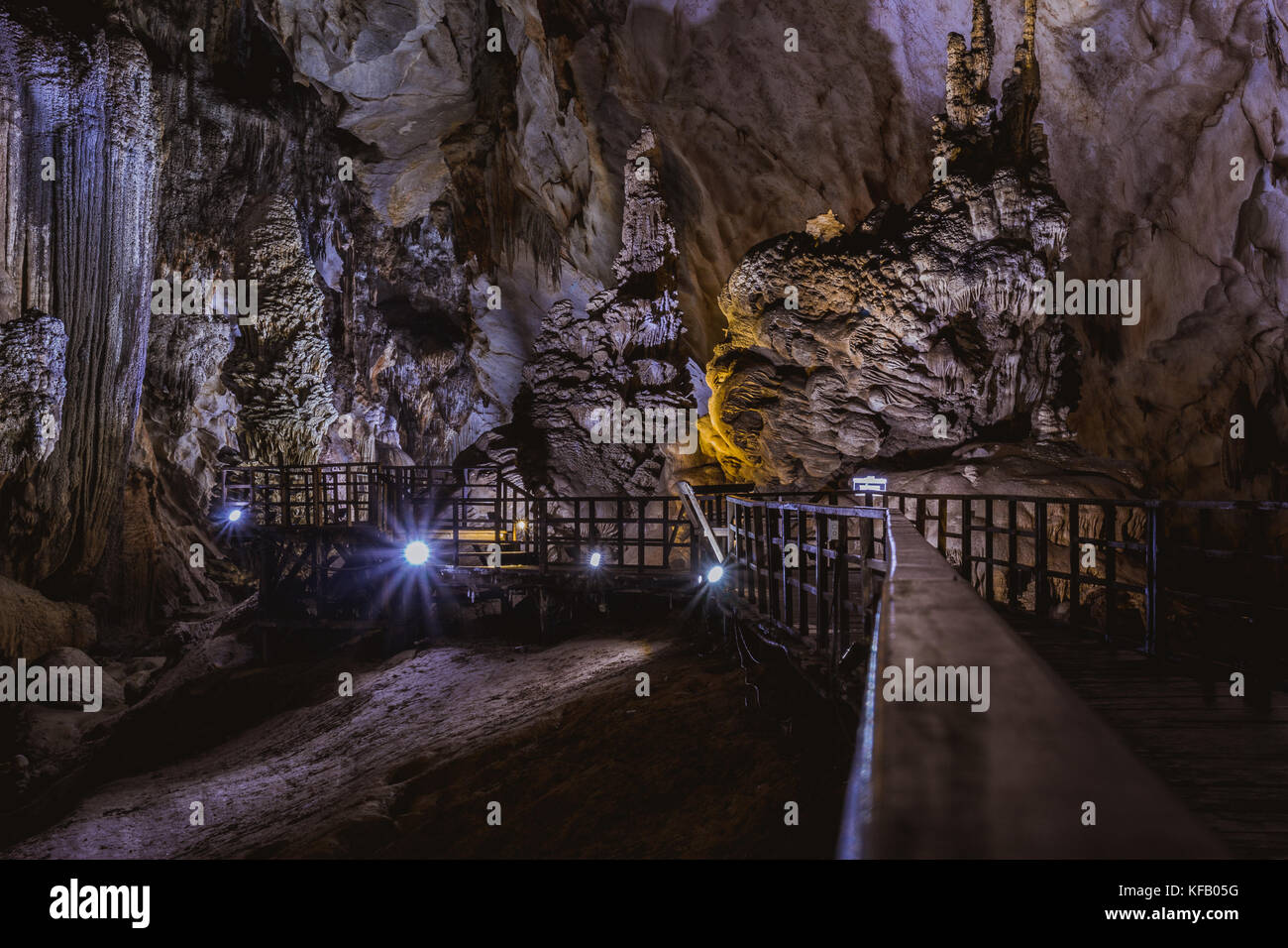 Vietnam's Paradise cave, wonderful cavern at Bo Trach, Quang Binh province, underground beautiful place for - Stock Image