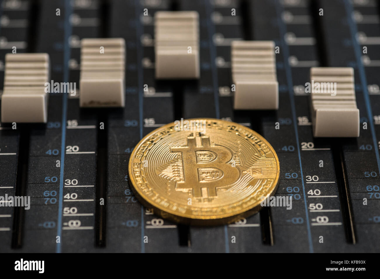 Tuppeny bitcoins binary code options trading scams using paypal