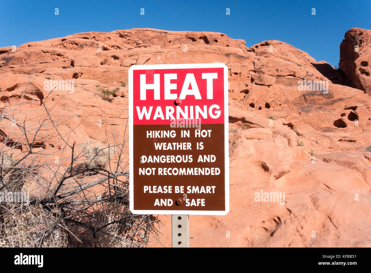 Valley of Fire State Park Nevada heat warning sign - Stock Image