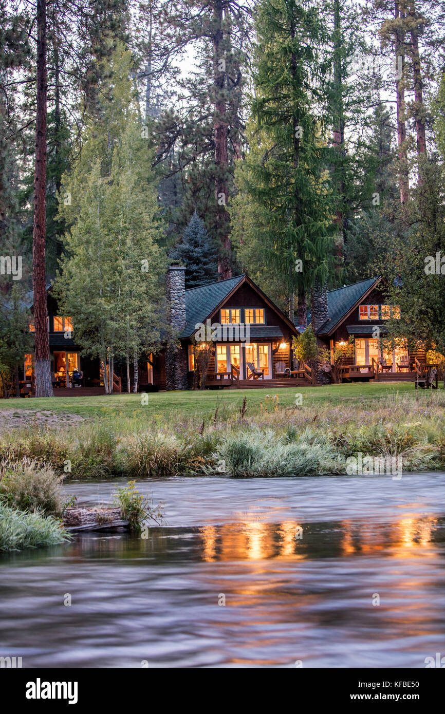 Rustin homes stock photos rustin homes stock images alamy for River view cabins
