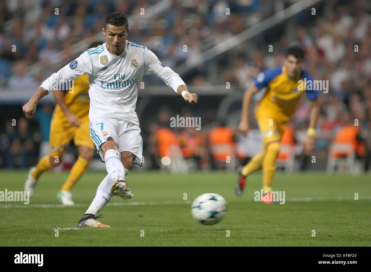 Madrid Spain Cristiano Ronaldo Scores 2 0 Shooting A Penalty Kick Stock Photo Alamy