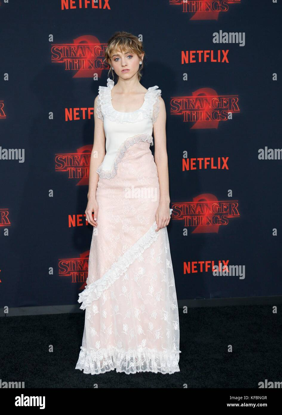 Los Angeles, CA, USA. 26th Oct, 2017. Natalia Dyer at arrivals for NETFLIX'S STRANGER THINGS 2 Premiere, Regency - Stock Image