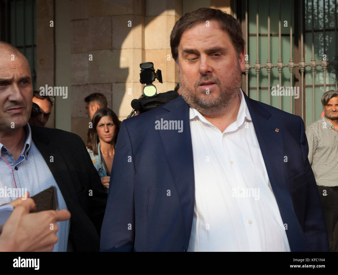 Barcelona, Spain. 27th October, 2017.   Oriol Junqueras, leaving catalan parliament after declaration of independence. - Stock Image