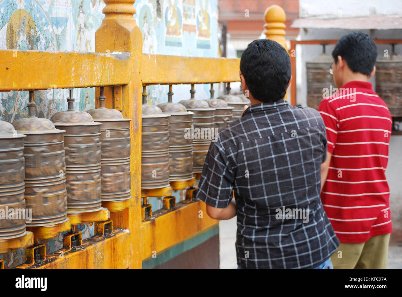 Pilgrims at Boudhanath temple - Katmandu - Stock Image