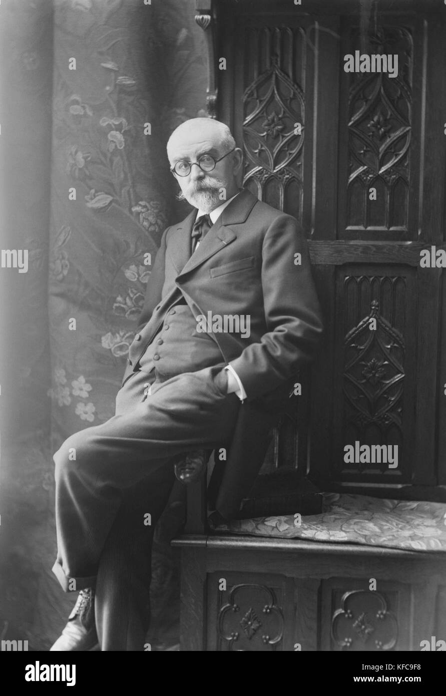 Joris Karl Huysmans (1848-1907)  French writer   Boissonas and Taponier Photo  Photo12.com - Coll. Taponier Stock Photo