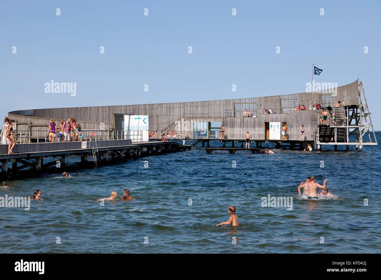 Kastrup Søbad, Sneglen, Kastrup Public Baths, the Snail, on Amager, Copenhagen.  Architect designed bathing platform Stock Photo