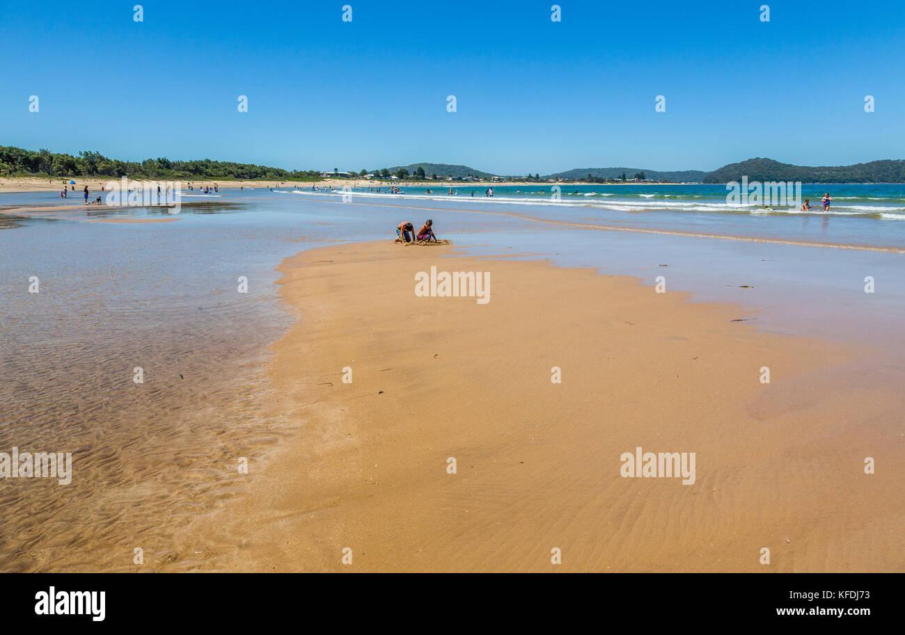 Australia, New South Wales, Central Coast, Broken Bay, Umina Beach, exposed sandbar at low tide - Stock Image