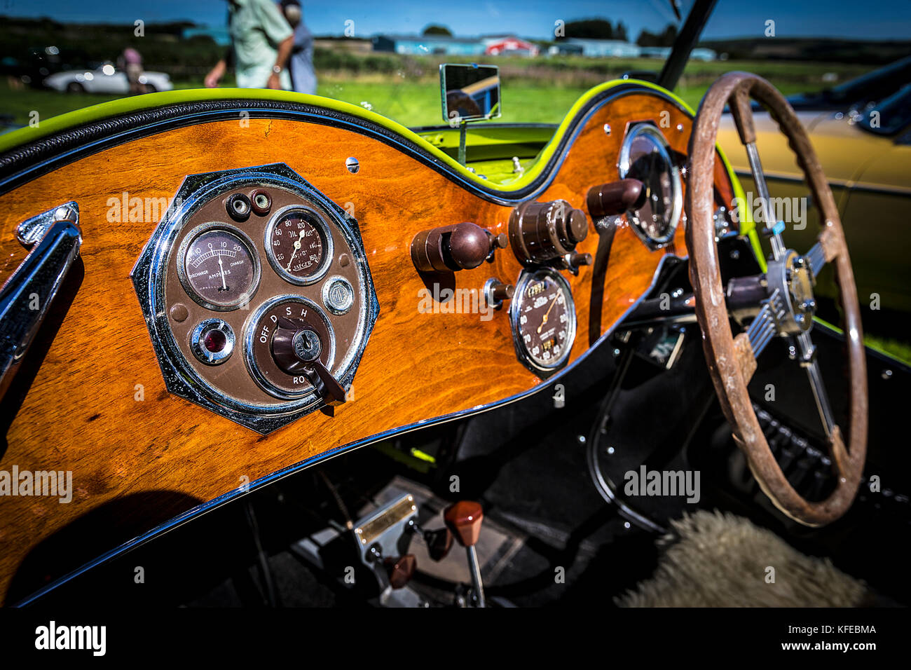 Morris Garages Cars Stock Photos & Morris Garages Cars Stock Images ...
