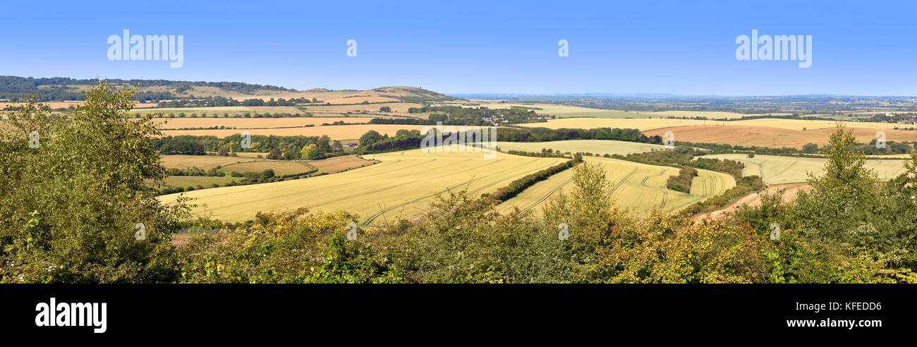 Panorama view, Whipsnade, Beds, looking North over towards the Aylesbury plain. bright blue sky - Stock Image