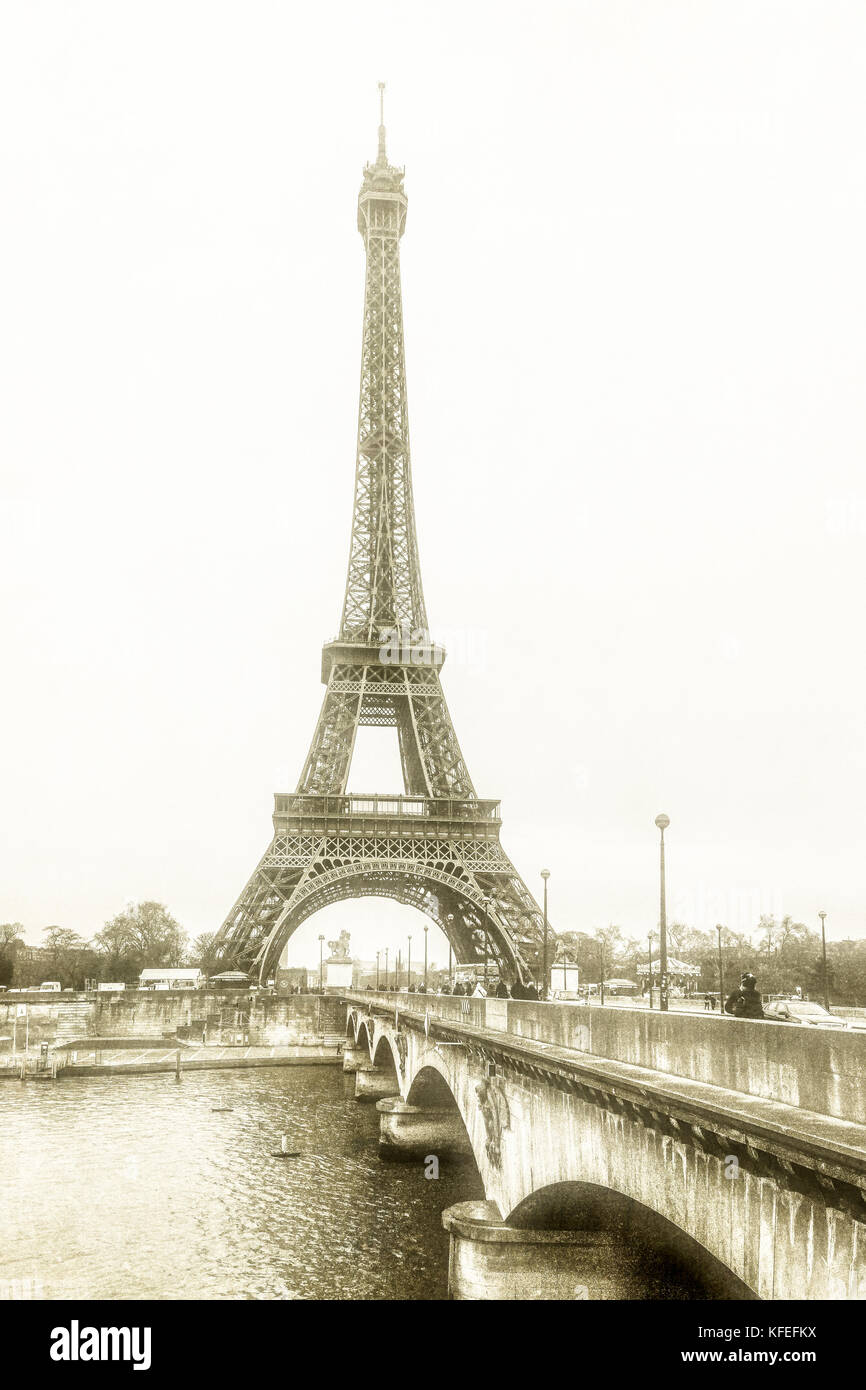 Monochromatic image of The Eiffel Tower in Paris during the winter.  December 2012 - Stock Image