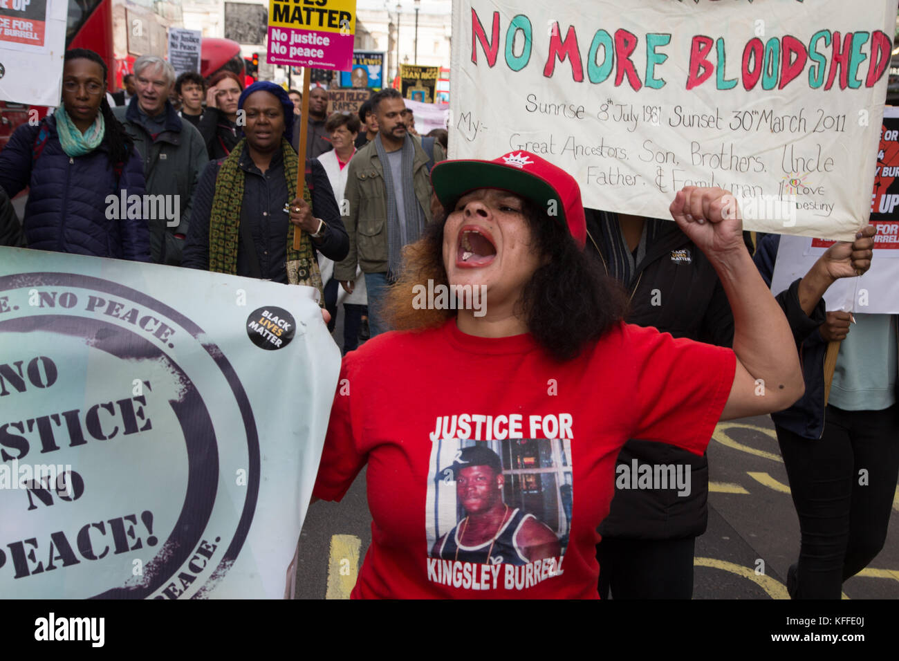 London, UK. 28th Oct, 2017. LONDON, UK 28thOctober 2017 Protesters hold placards and chant during a demonstration - Stock Image