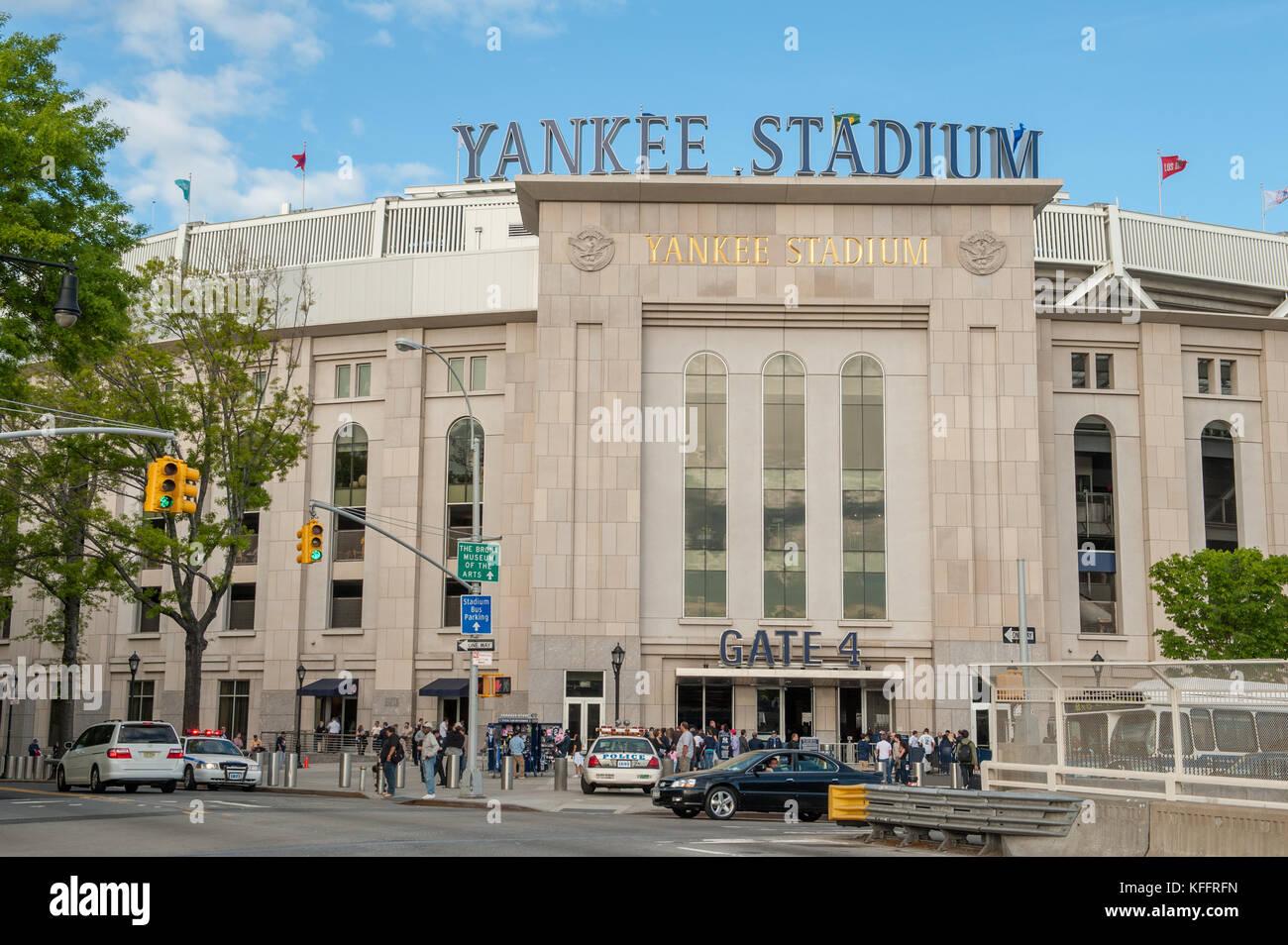 Madison Square Garden: New York Yankee Stadium Stock Photos & New York Yankee