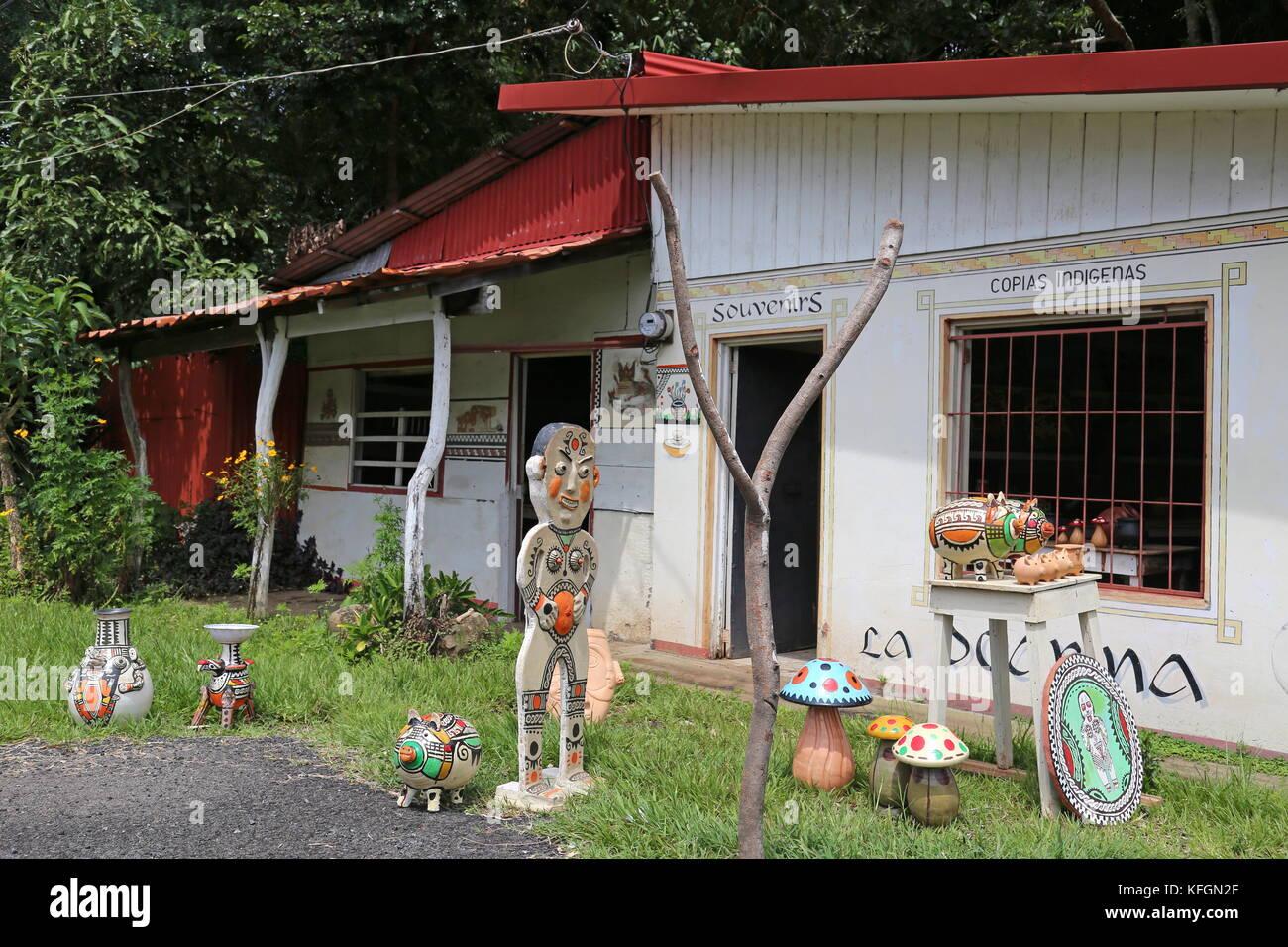 La Ocarina pre-columbian reproductions and ceramics, Avenida Central, Sarchí, Alajuela province, Costa Rica, - Stock Image