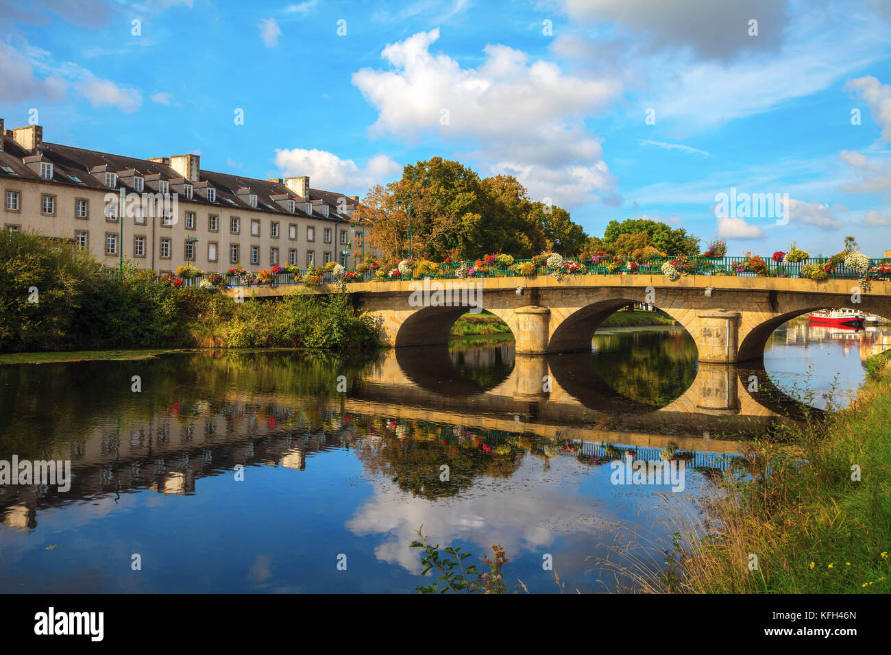 Bridge on Nantes Brest canal Pontivy Brittany France - Stock Image