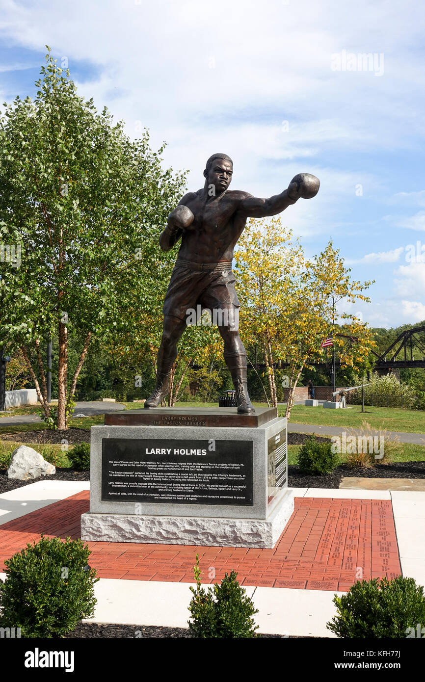 Bronze statue of Larry Holmes, former professional boxer in his hometown, Easton, Pennsylvania, United states. - Stock Image
