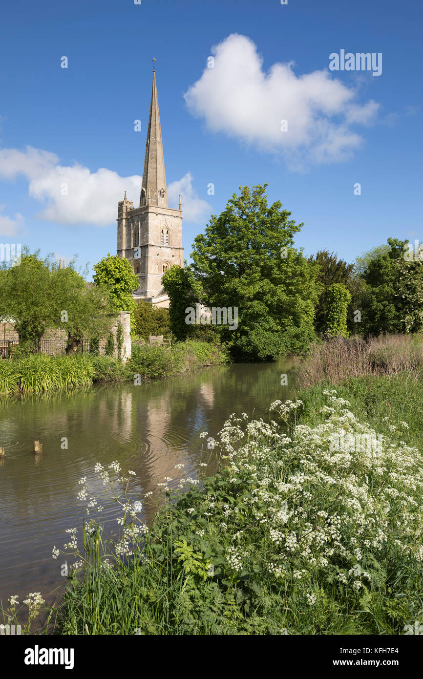 Burford church beside the River Windrush, Burford, Cotswolds, Oxfordshire, England, United Kingdom, Europe - Stock Image