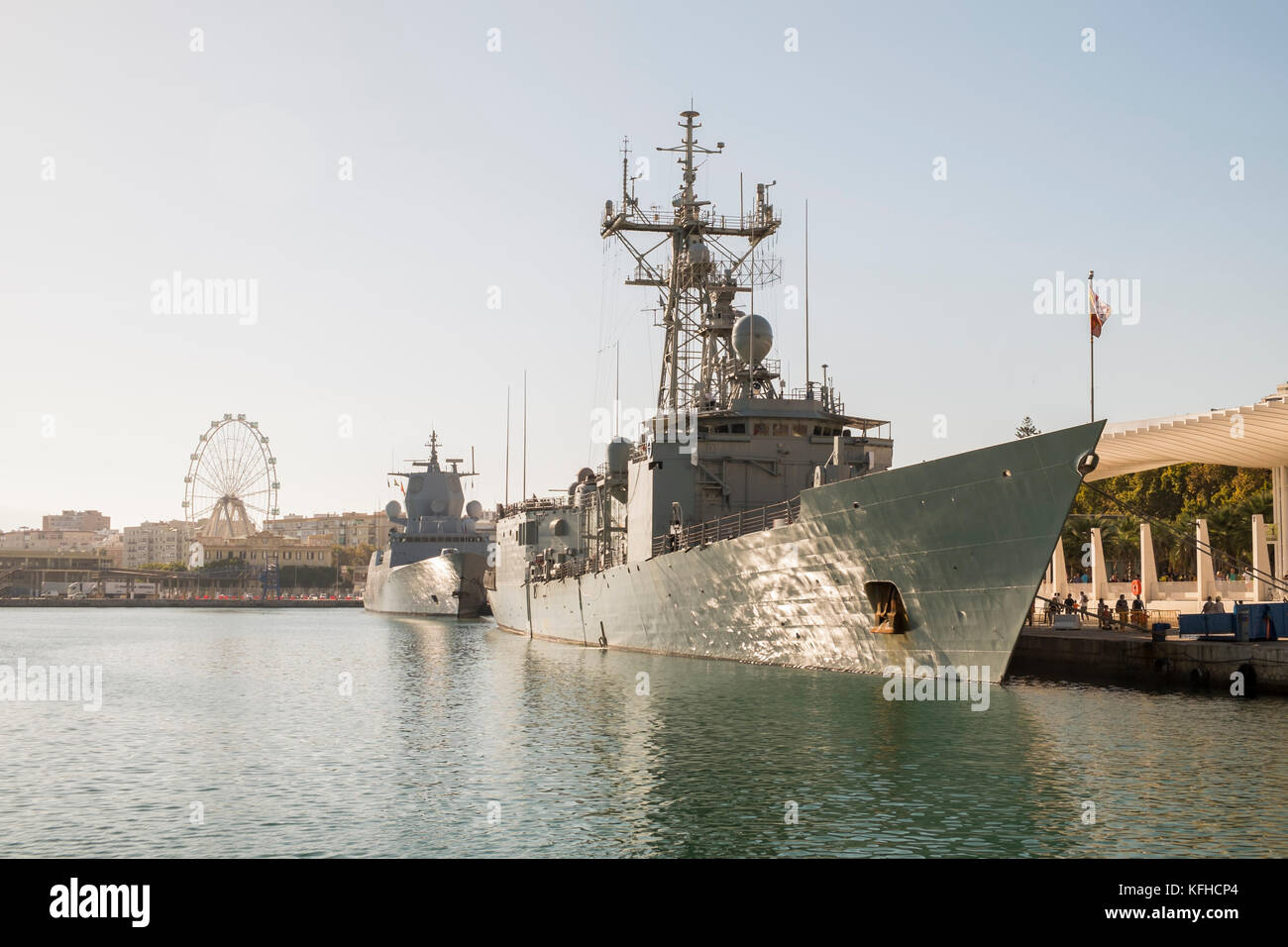 Port of Málaga (Spain). Frigate Numancia (Spain) and the frigate KNM Otto Sverdrup. October, 29th 2017. - Stock Image