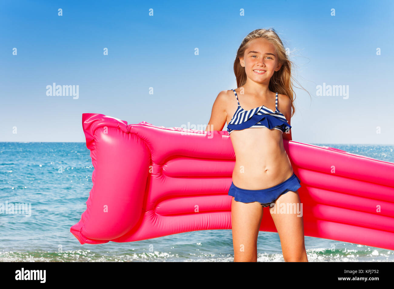 Preteen Girl Beach Portrait Stock Photos & Preteen Girl ...