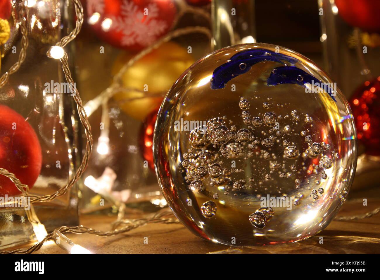 Lichterzauber mit Glas und Lichterketten, Licht - Stock Image
