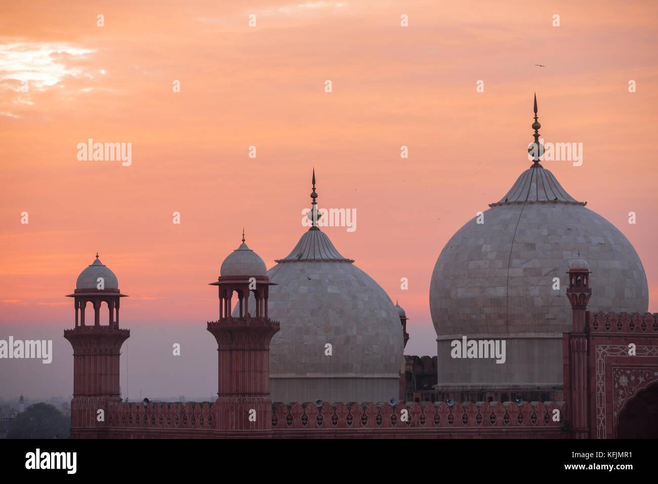 The Emperors Mosque - Badshahi Masjid at sunset - Stock Image