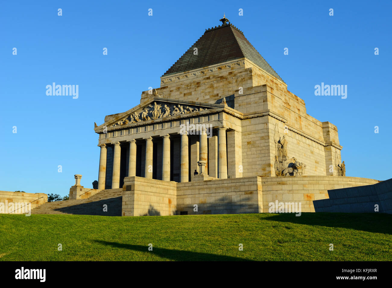 Shrine of Remembrance within the King's Domain Park in Melbourne, Victoria, Australia - Stock Image