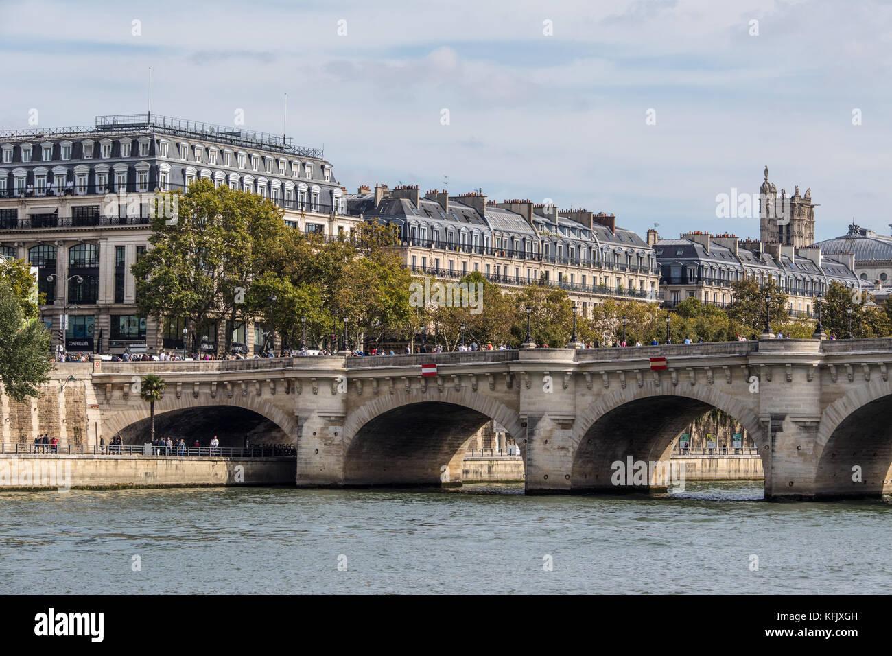 Pont Neuf, River Seine, Paris, France - Stock Image