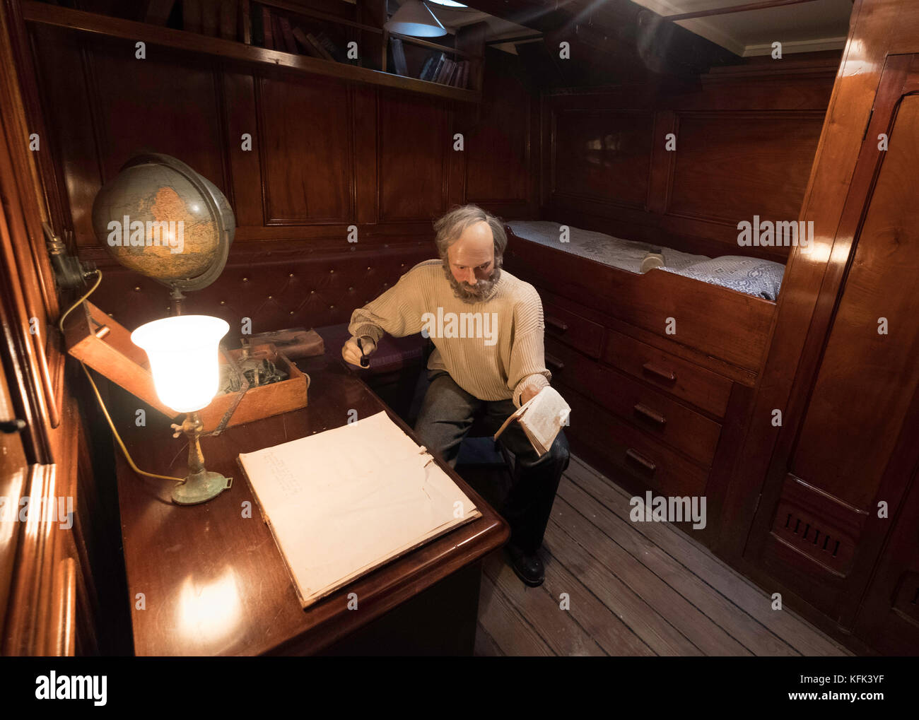 Interior of officer's cabin on the Discovery ship berthed at Discovery Point in Dundee ,Tayside, Scotland, Stock Photo