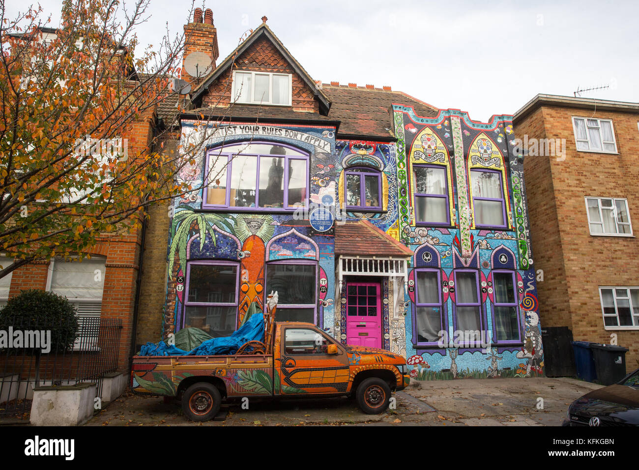 'The Treatment Rooms' is the mosaic-covered house of contemporary artist, Carrie Reichardt. It took 20 Years - Stock Image