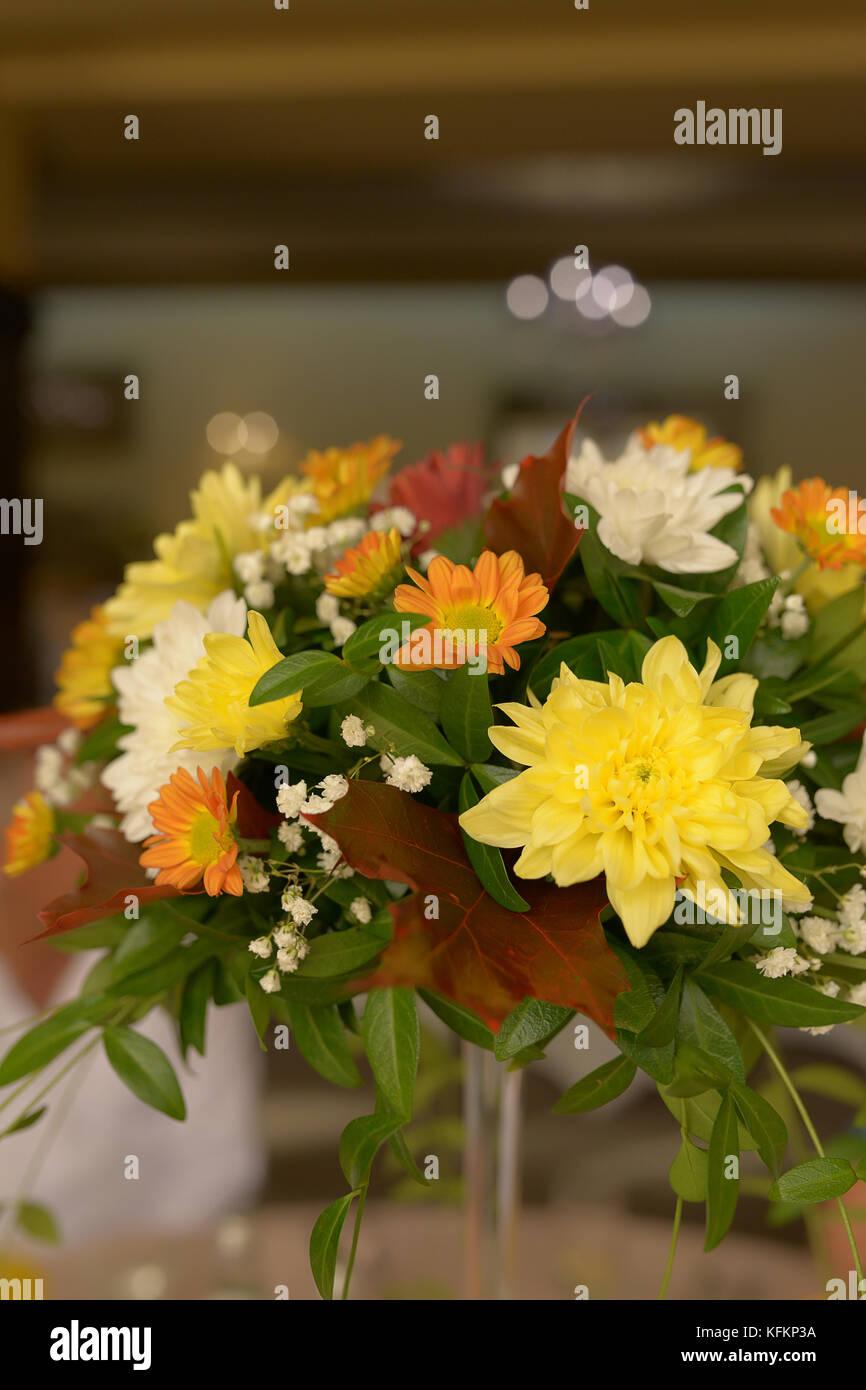 Autumn Hues In A Rustic Bridal Bouquet Wedding Arrangements Floral