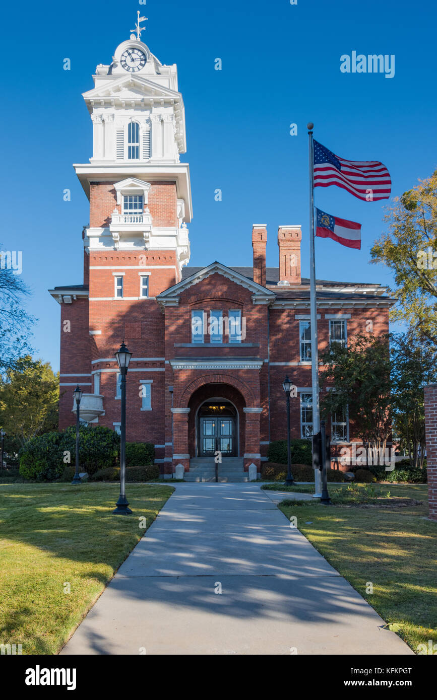 Gwinnett Historic Courthouse on the town square in Lawrenceville, Georgia. (USA) -