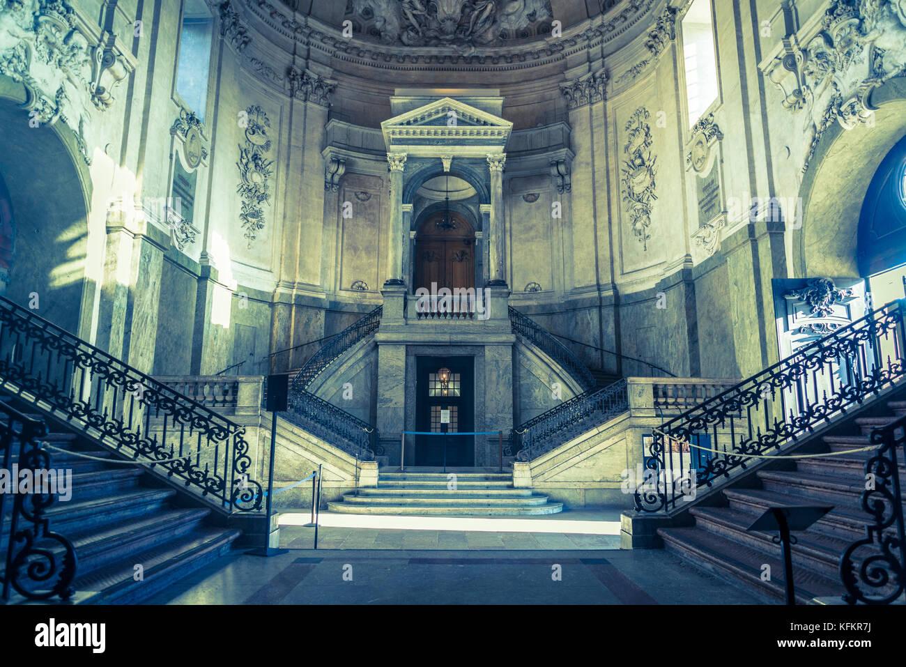 Entrance Hall Domed-entrance-hall-of-the-royal-palace-or-kungliga-slottet-gamla-KFKR7J