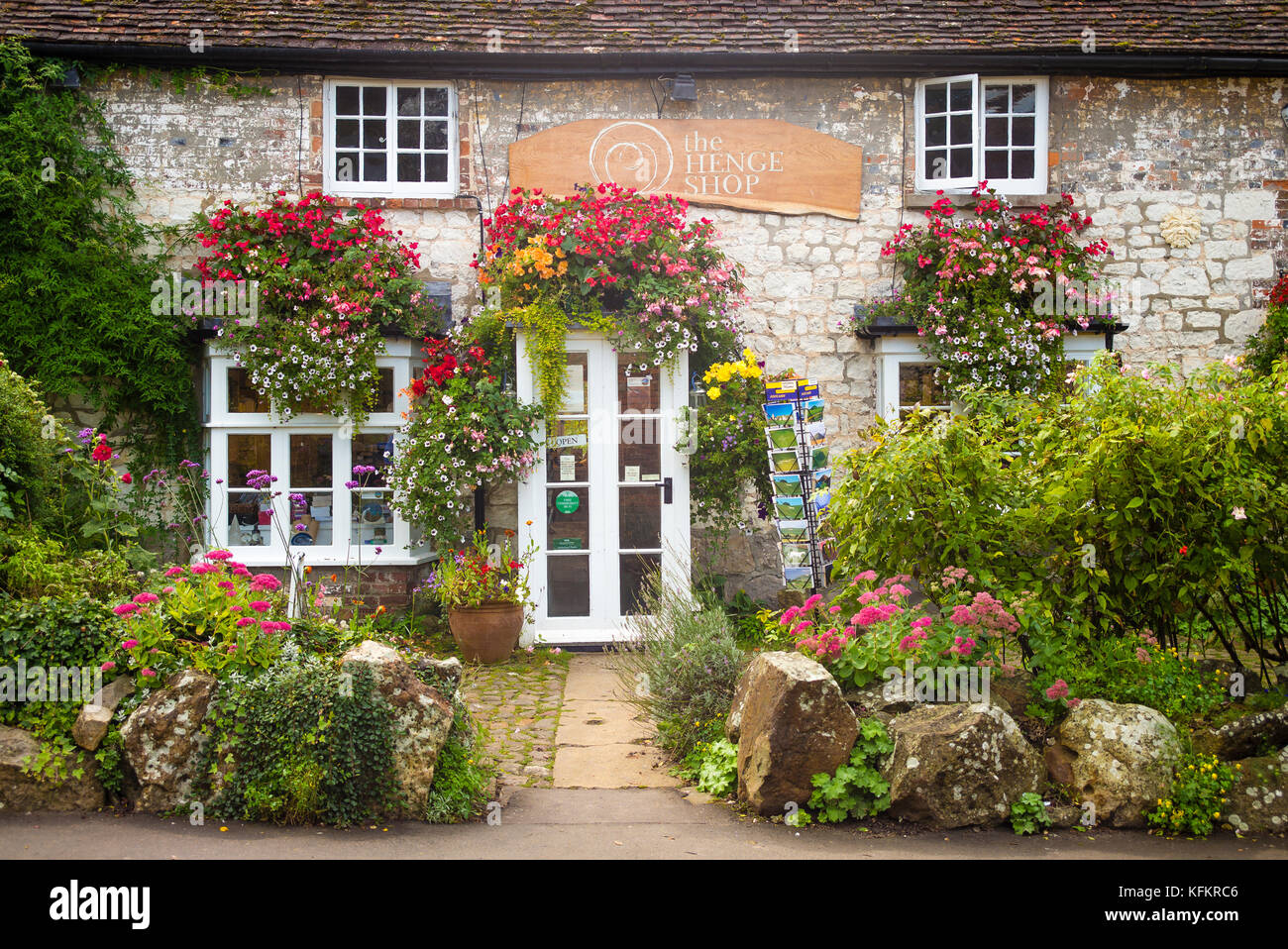The Henge Shop in Avebury Wiltshire England with a typical English country cottage garden - Stock Image