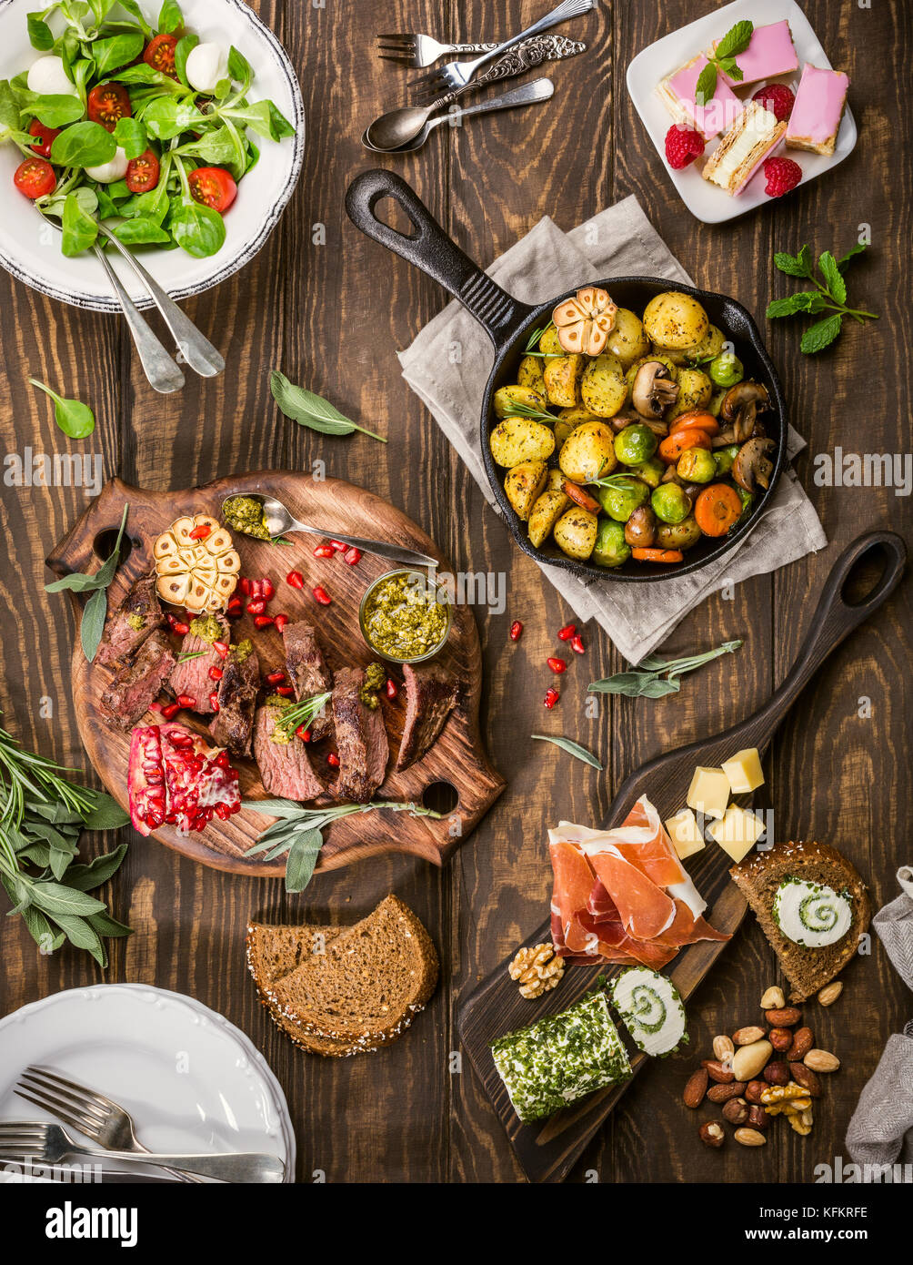 Delicious dinner table - Stock Image
