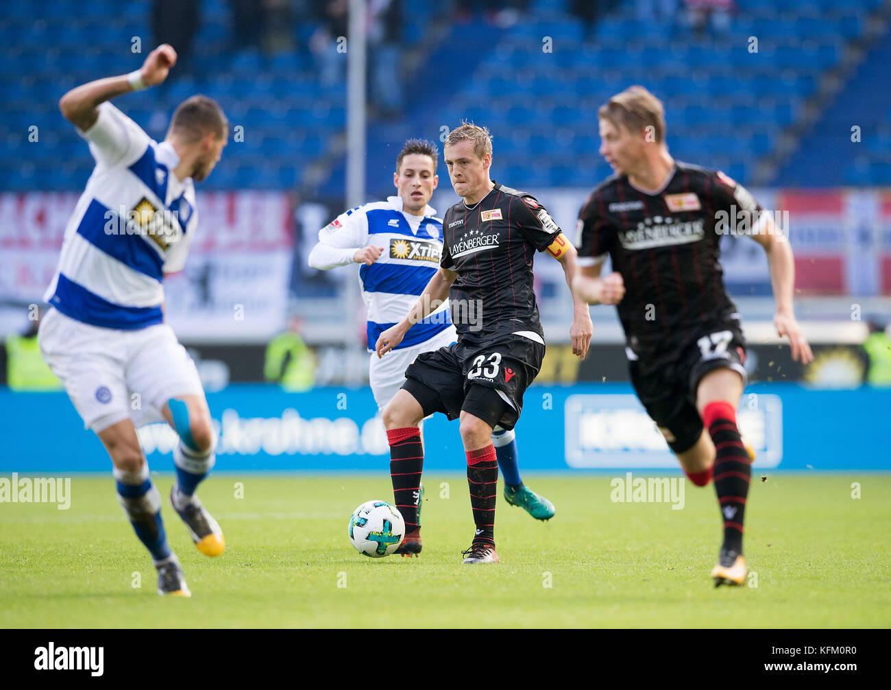 Duisburg, Deutschland. 29th Oct, 2017. Spielszene with Felix KROOS (Union/ withte), Aktion, Fussball . Bundesliga, - Stock Image