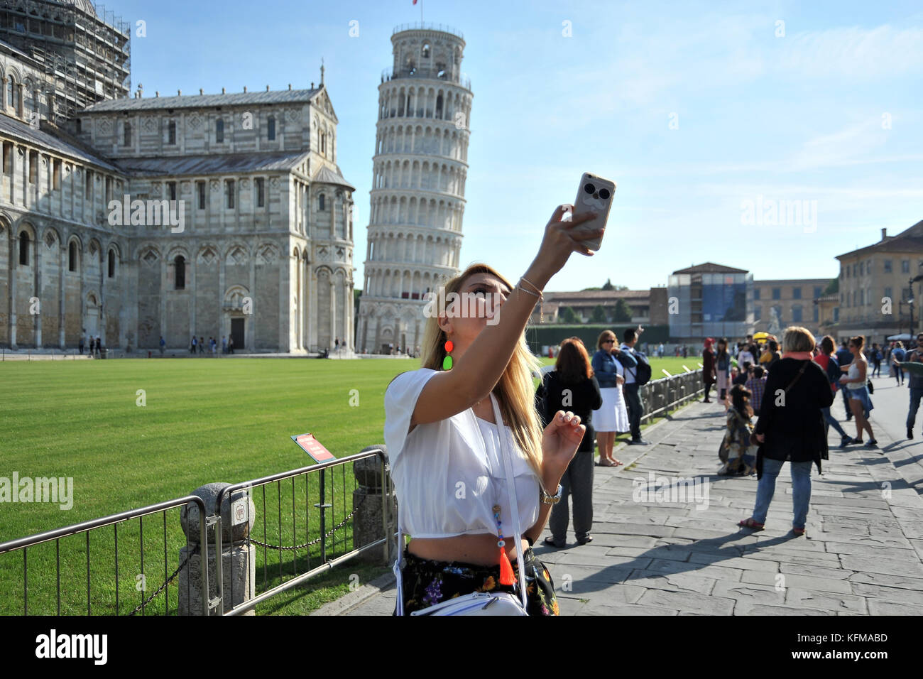Tourists in Piazza dei Miracoli 29/09/2017-Pisa-Italy chronicle tourists Chinese, Turks, Russians, Americans and - Stock Image