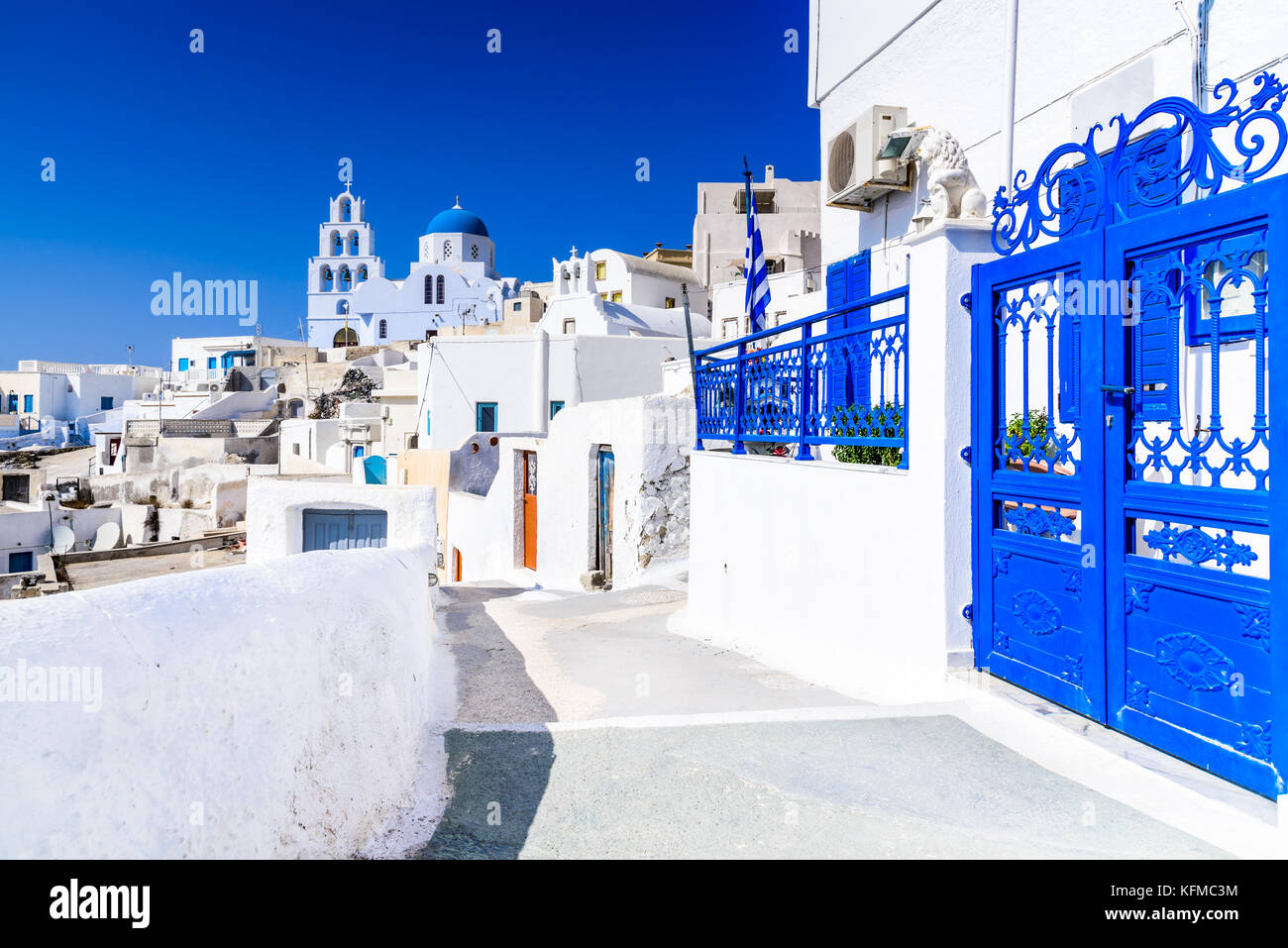Pyrgos, Santorini, Greece. Famous attraction of white village with cobbled streets, Greek Cyclades Islands, Aegean - Stock Image