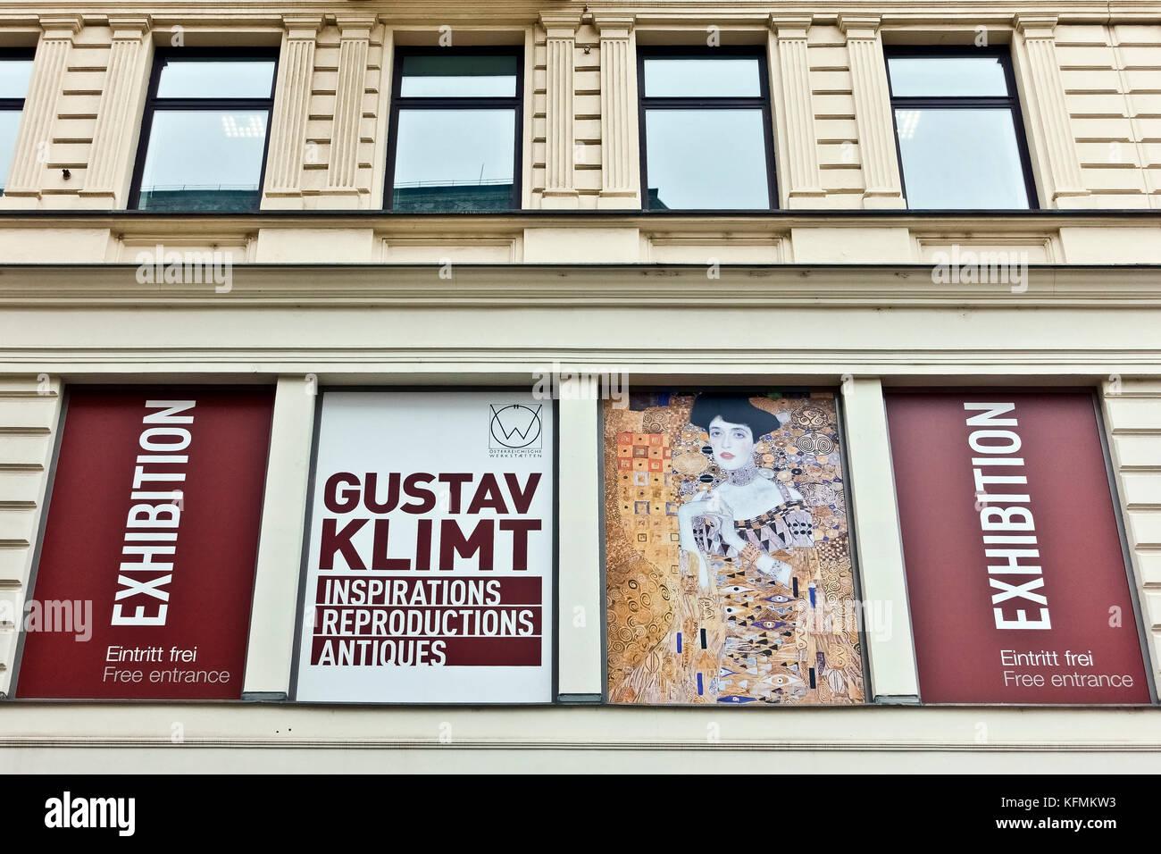 Souvenir shop, shopping, exhibition of Gustav Klimt reproductions at Kärntner Str. Wien, Vienna, Wien, Austria, - Stock Image