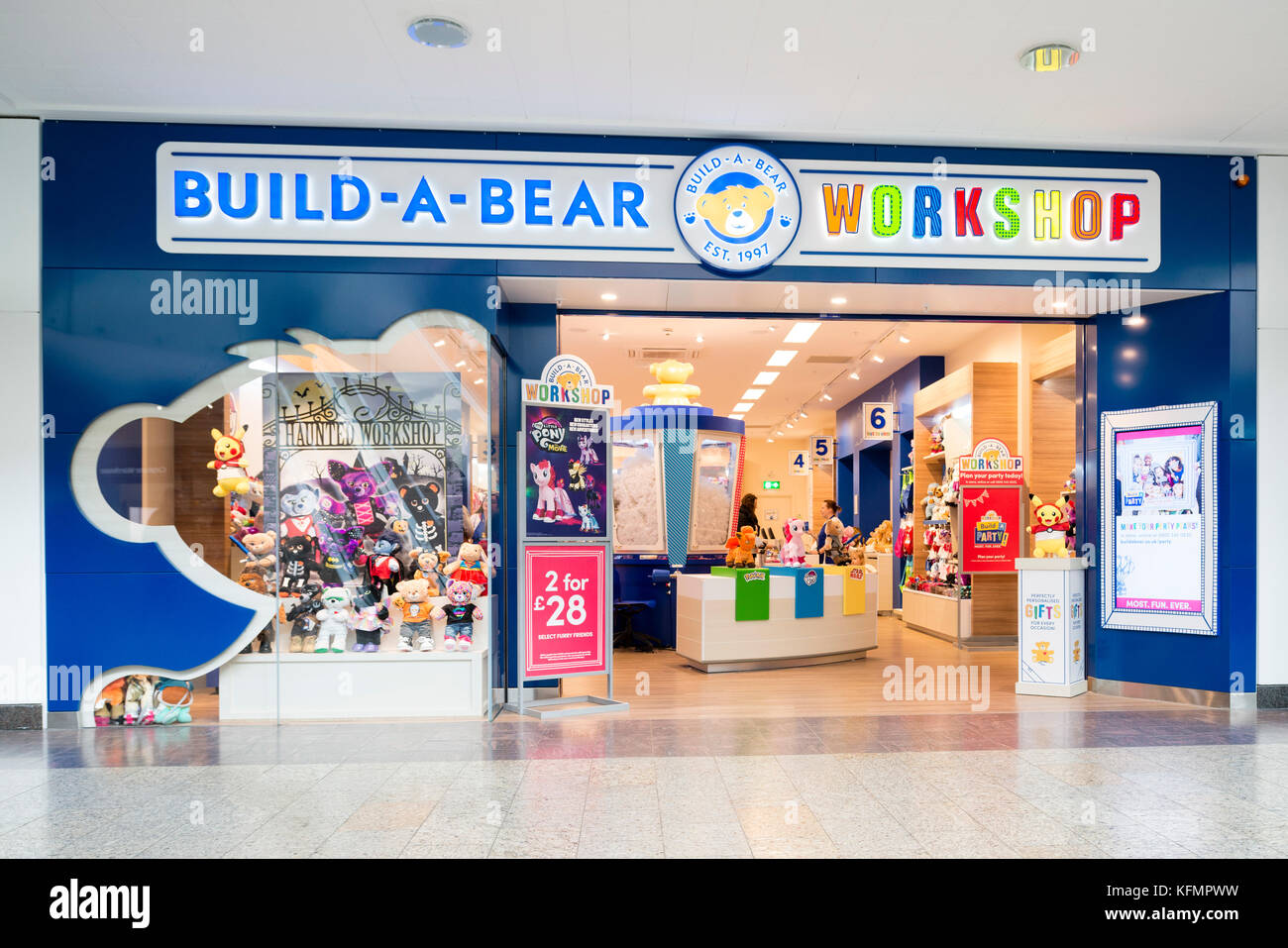 Build A Bear Build Bear Workshop Store High Resolution Stock Photography And Images Alamy