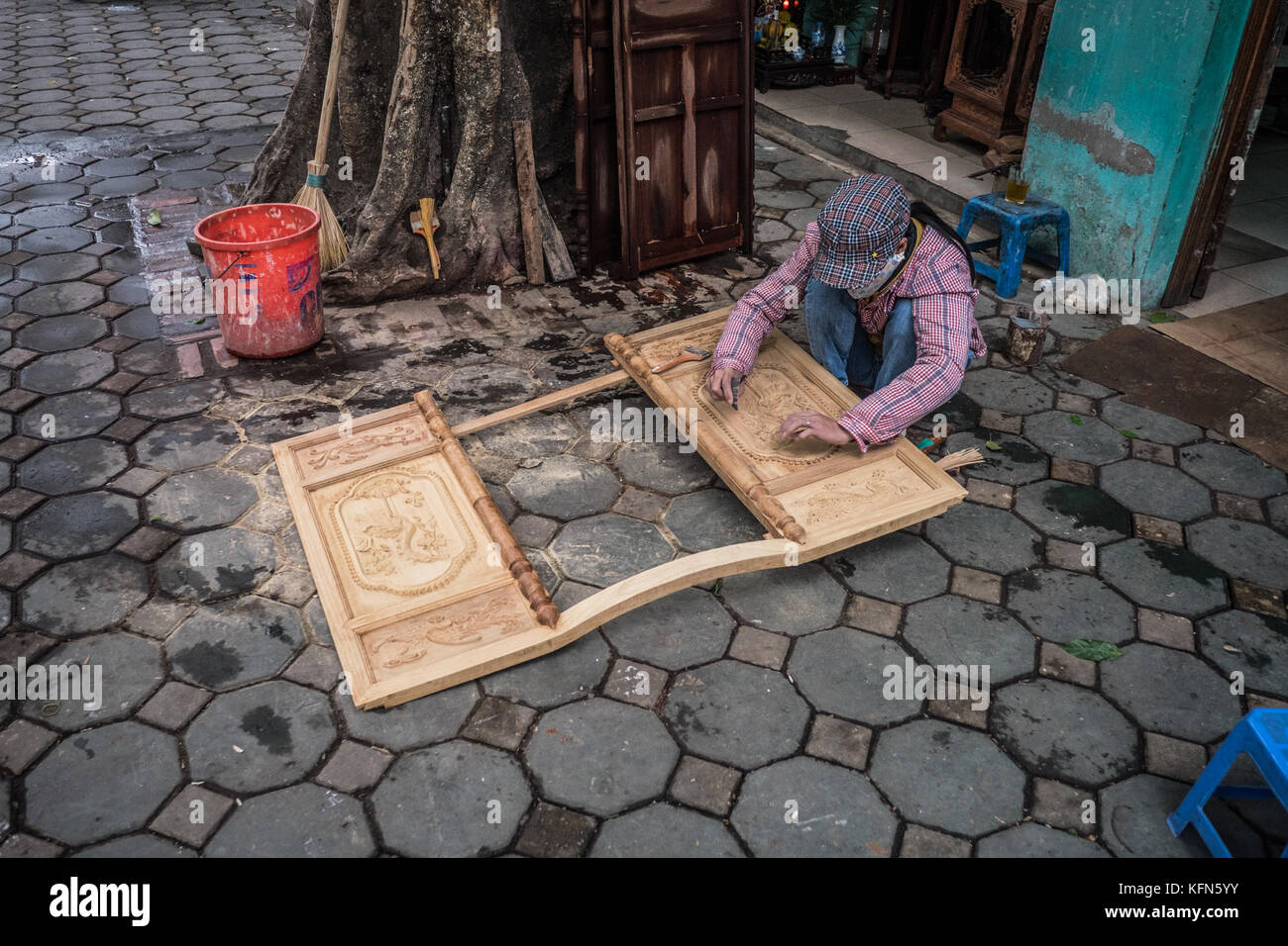 woodworker, Hanoi, Vietnam - Stock Image