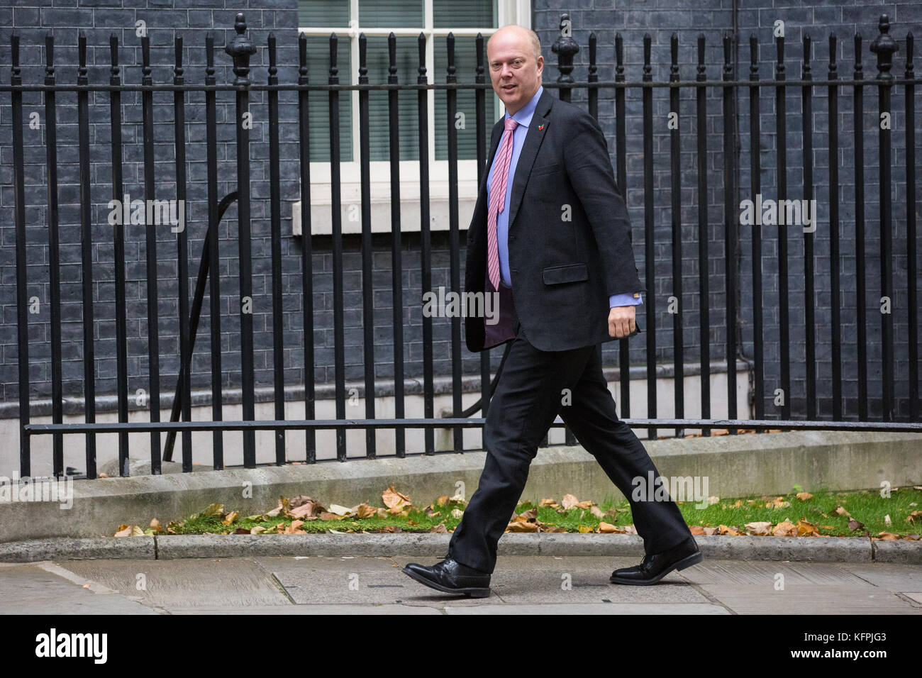 London, UK. 31st Oct, 2017. Chris Grayling MP, Secretary of State for Transport, arrives at 10 Downing Street for - Stock Image