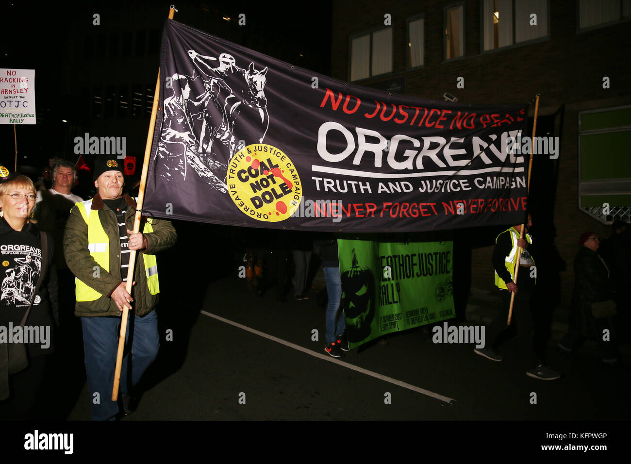 Sheffield, UK. 31st Oct, 2017. The Orgreave Truth and Justice Campaign 'Death of Justice Rally' marking - Stock Image
