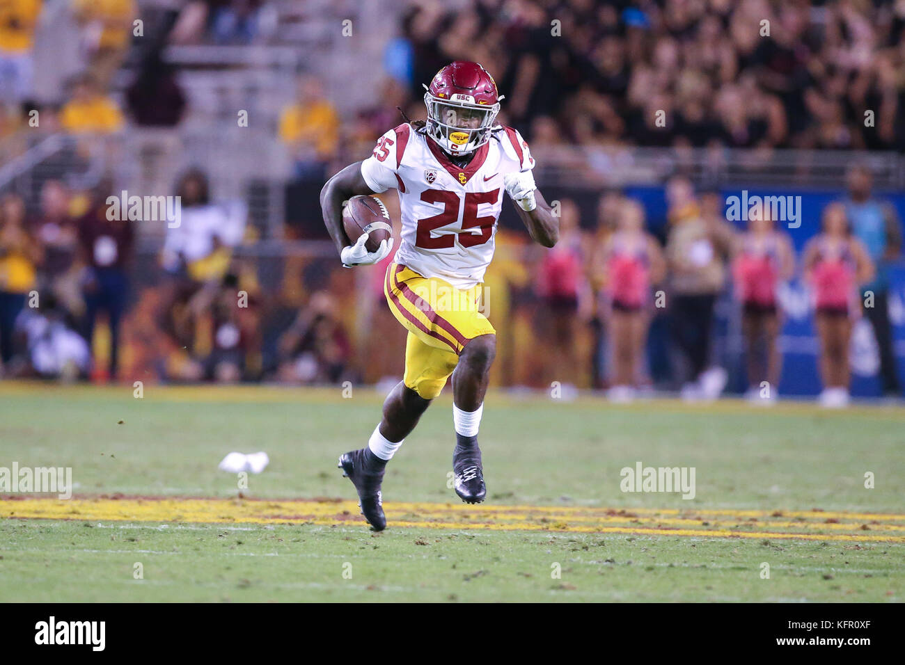 Tempe Az October 28 Ronald Jones Ii 25 Of The Usc Trojans Runs Stock Photo Alamy