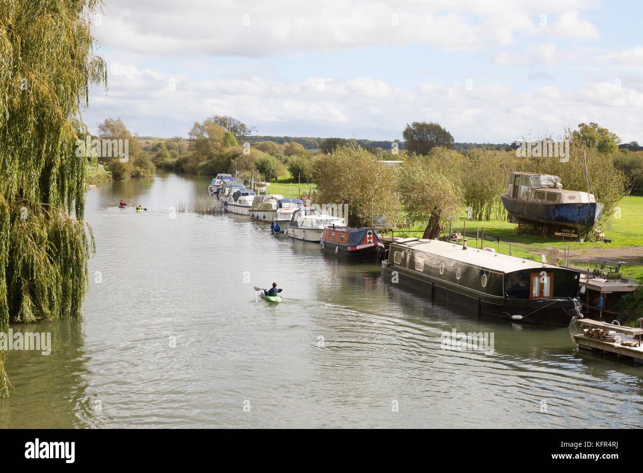 River Thames Oxfordshire, upper reaches at New Bridge, Northmoor, near Witney, Oxfordshire UK - Stock Image