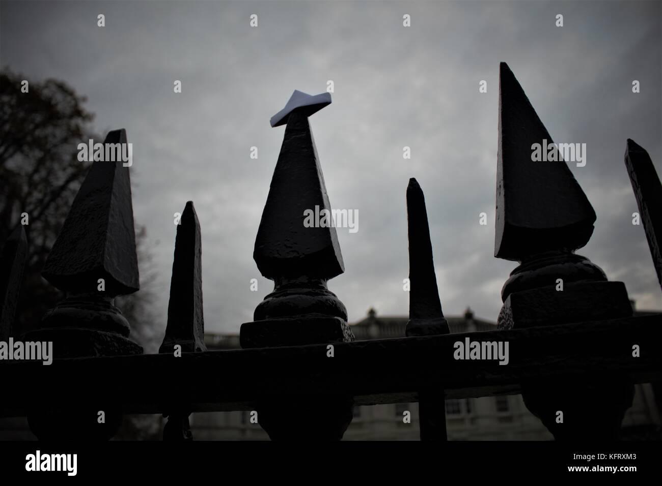 Eerie fence - Stock Image
