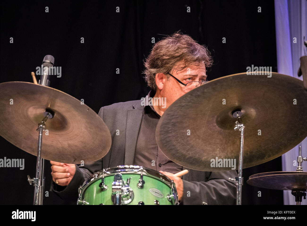 Clark Tracey drums with Stan Tracey Legacy Band, Scarborough Jazz festival, 2017 - Stock Image