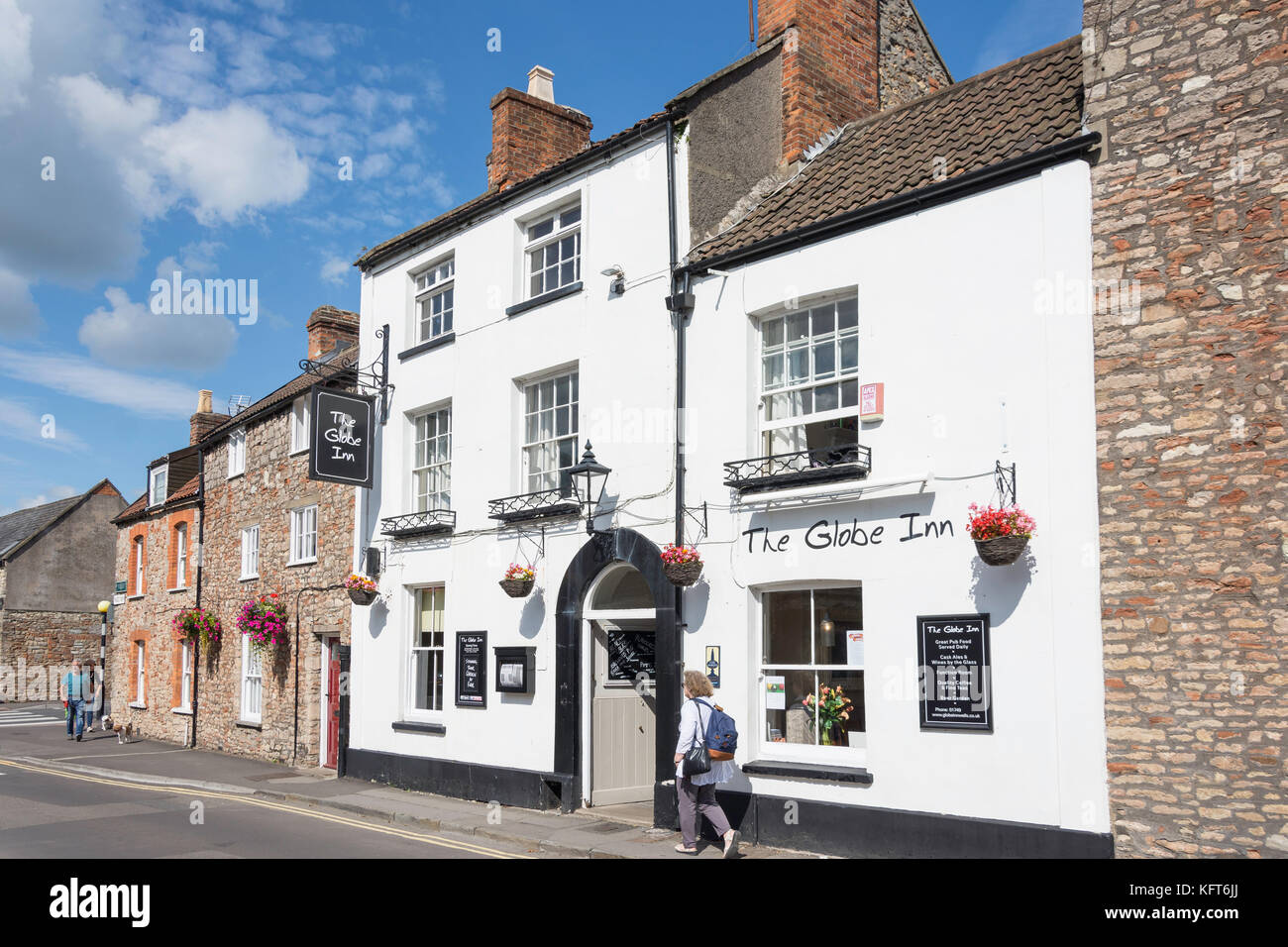 18th century The Globe Inn, Priest Row, Wells, Somerset, England, United Kingdom - Stock Image