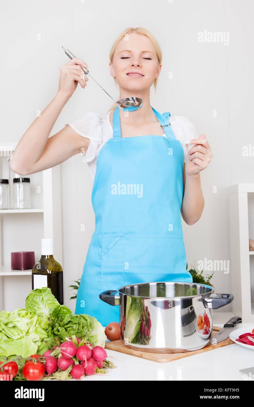 Pilgrim Kitchen Stock Photos & Pilgrim Kitchen Stock Images - Alamy