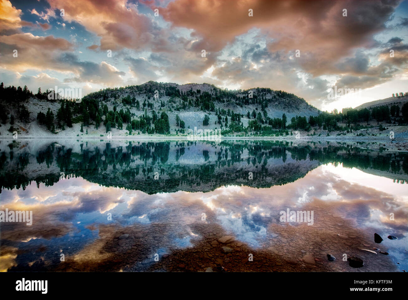 sunrise-reflected-in-lake-helen-lassen-v